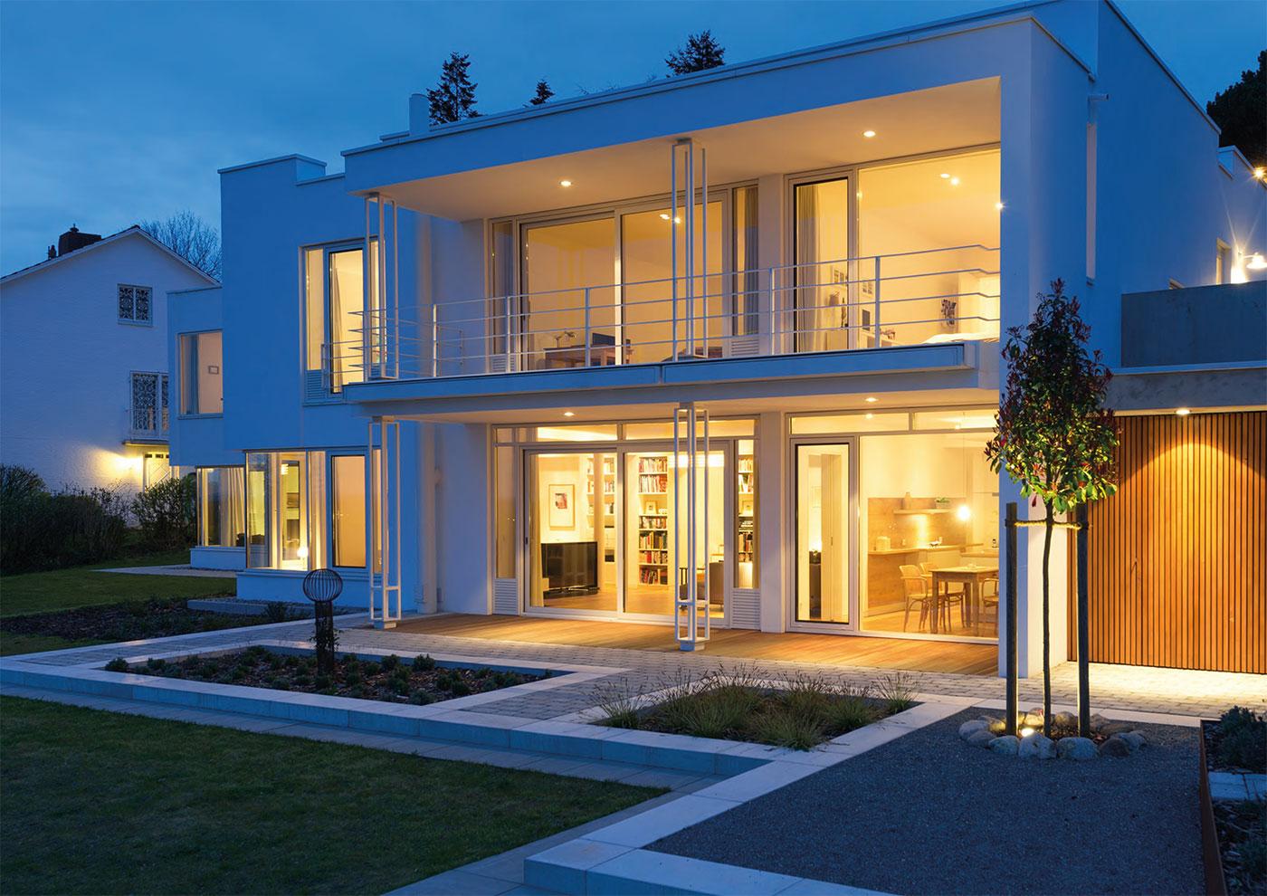 Terrassentüren mit Profilen aus Holz, Kunststoff, Aluminium und Holz-Aluminium, die perfekt zu Ihrer Immobilie passen.