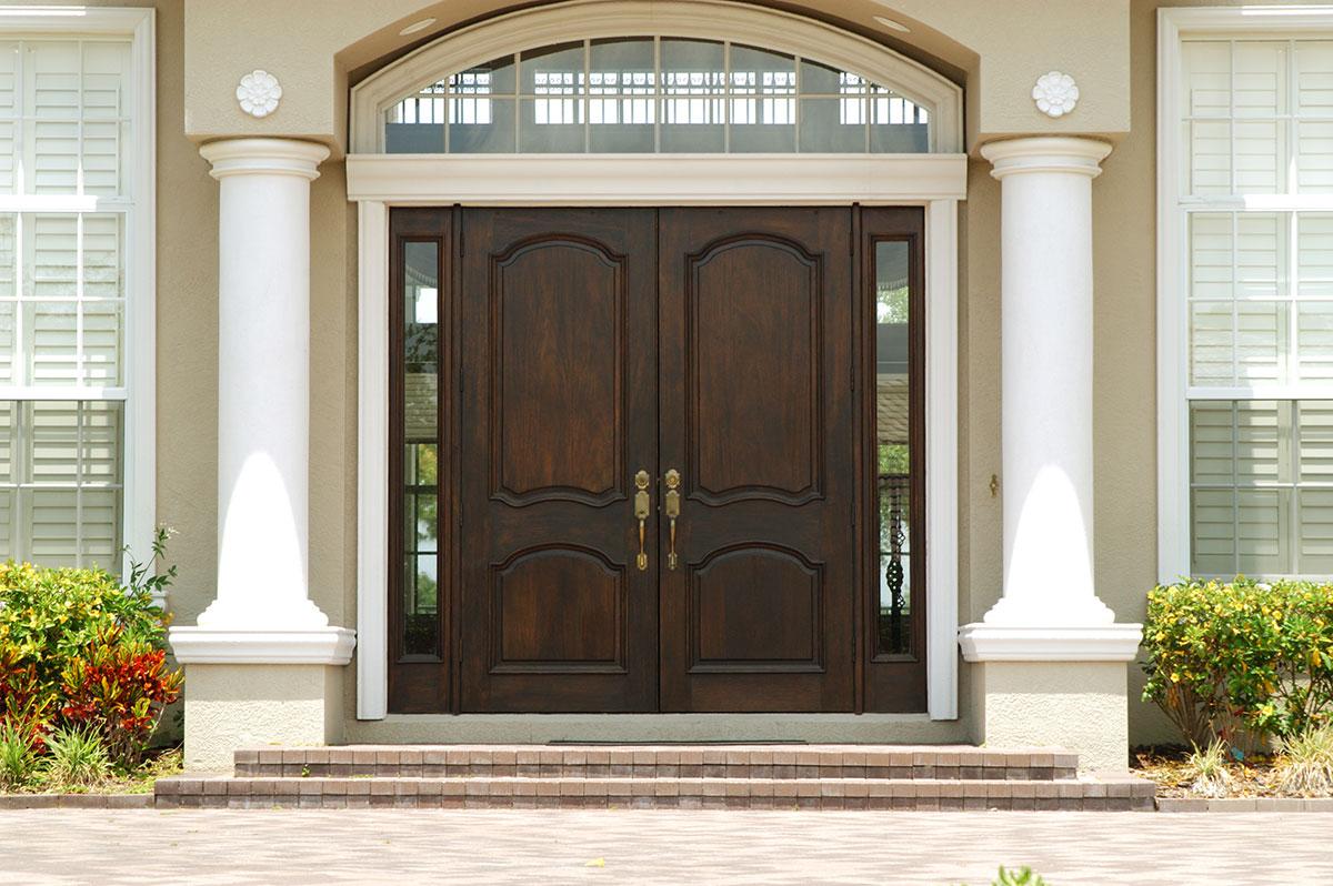 Große Haustüren oder auch Eingangstüren aus Holz von Ottis Türen und Fenster